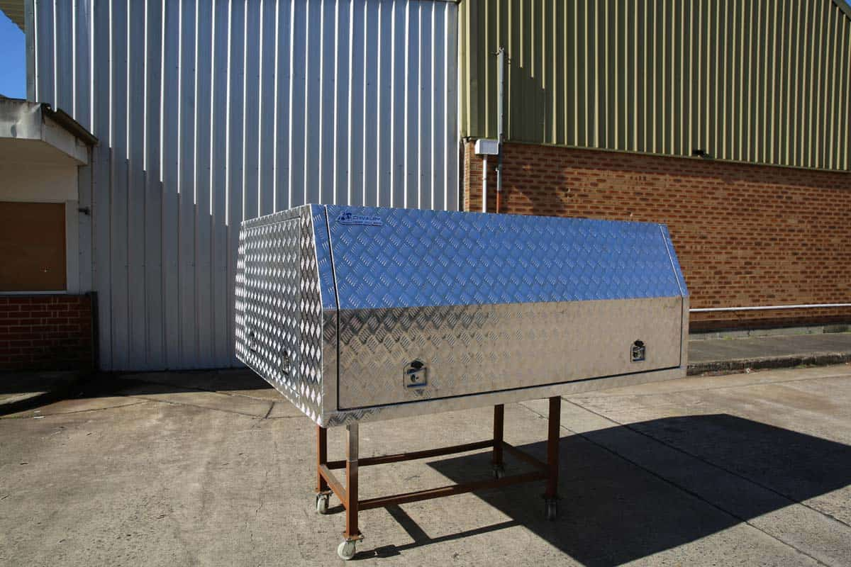 2400mm Light Duty Canopy10