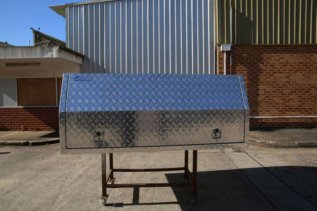 2400mm Light Duty Canopy11