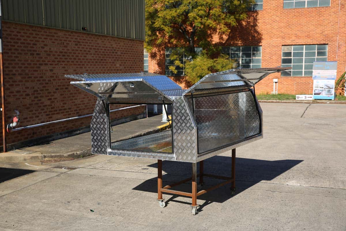 2400mm Light Duty Canopy5